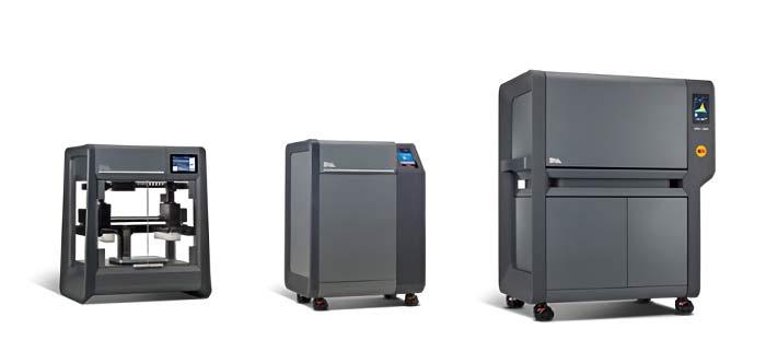 左:Studio3Dプリンター、中央:デバイダーステーション、右:ファーナス(焼結炉)