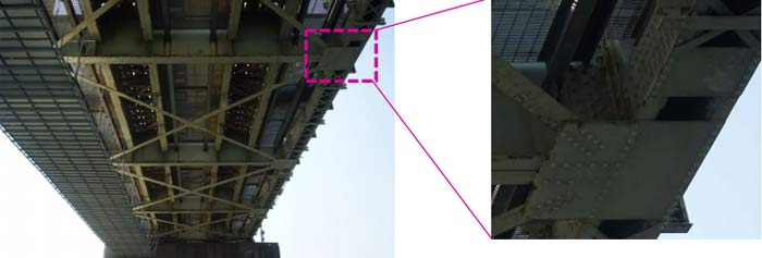 鉄道橋下部