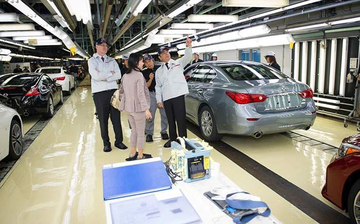 日産自動車、栃木工場で「インフィニティQ50」を生産開始(2013年05月14日)