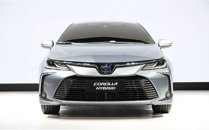 トヨタ カローラ セダン 新型