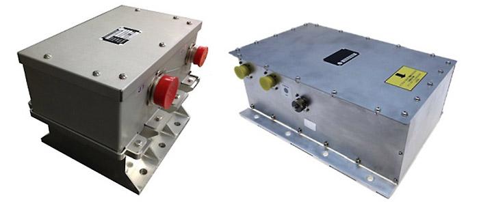 ロケット共通リチウムイオン電池(左)と駆動用熱電池(右)