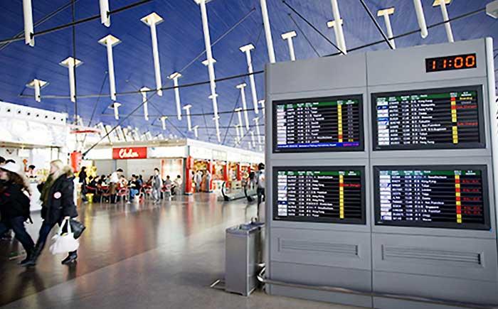Intersystems社製 空港向け表示システム/中国 上海浦東国際空港