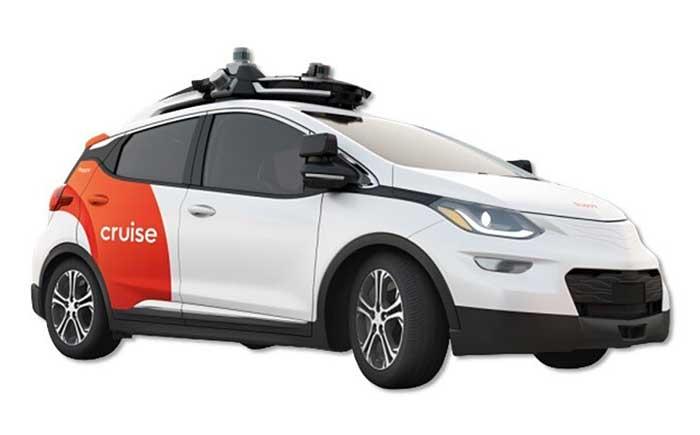 クルーズAV:技術実証に用いるGMのBoltをベースとした自動運転車両。